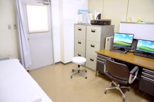 博腎会病院 診察室